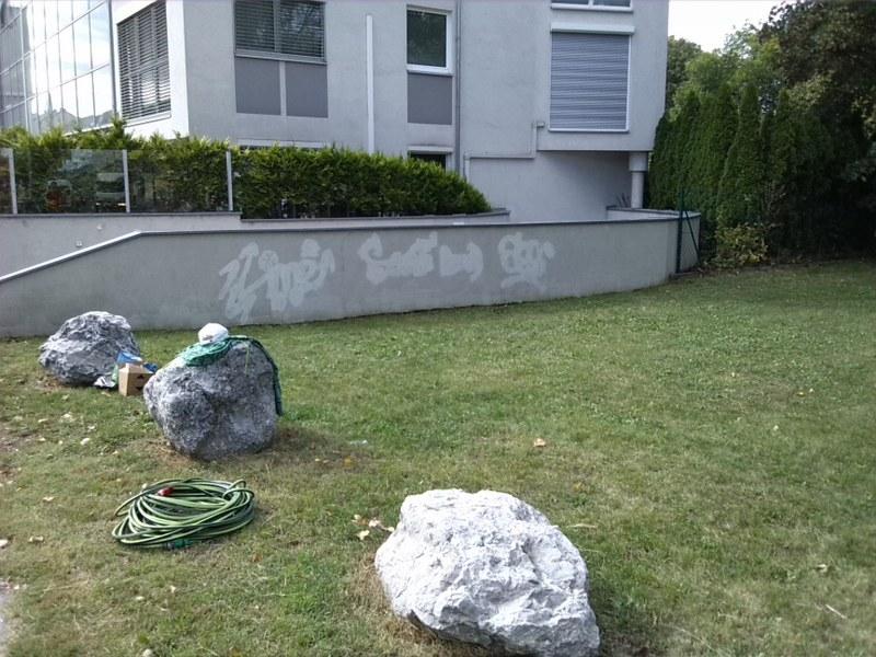 Odstránenie graffiti zplochy ošetrenej antigraffiti Bánovce